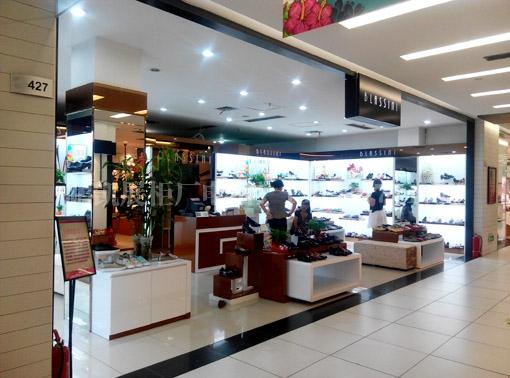 重庆奥特莱斯女鞋店展示柜制作实景照片