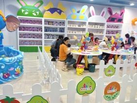重庆儿童乐园展柜制作