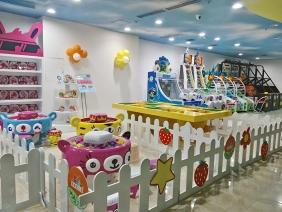 重庆西彭宝贝王儿童展柜现场照片