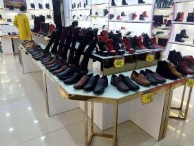 奇枝女鞋店展示柜